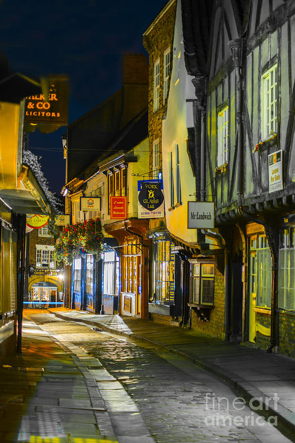 City Photograph - The Shambles York Uk by Lilianna Sokolowska