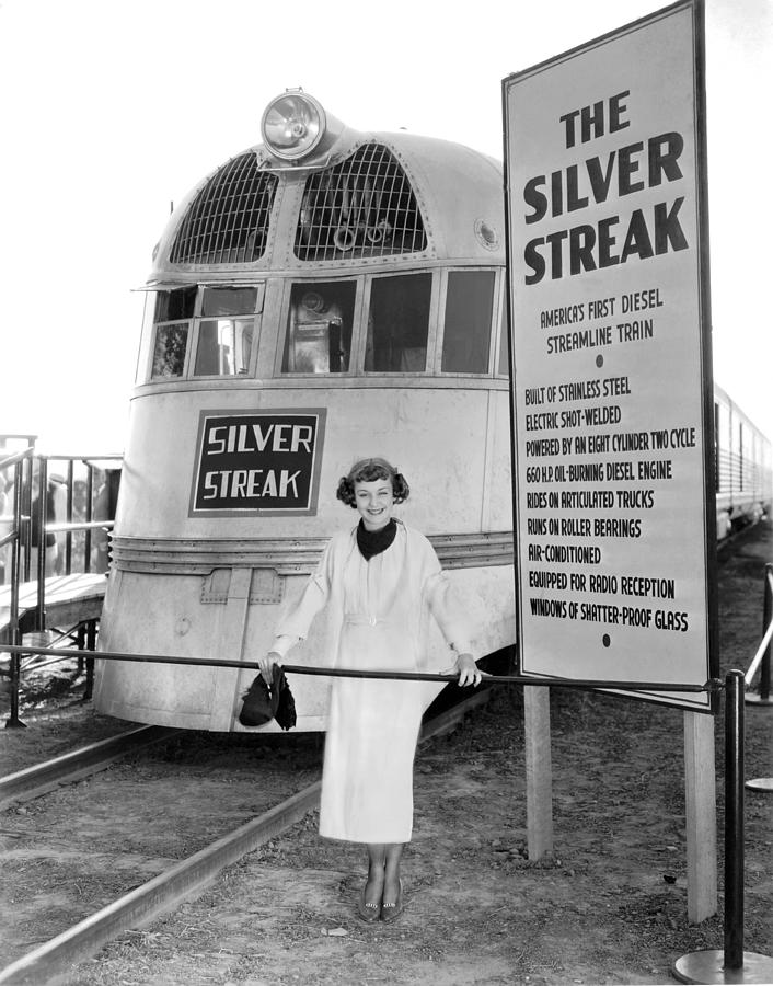 1930's Photograph - The Silver Streak Train by Underwood Archives