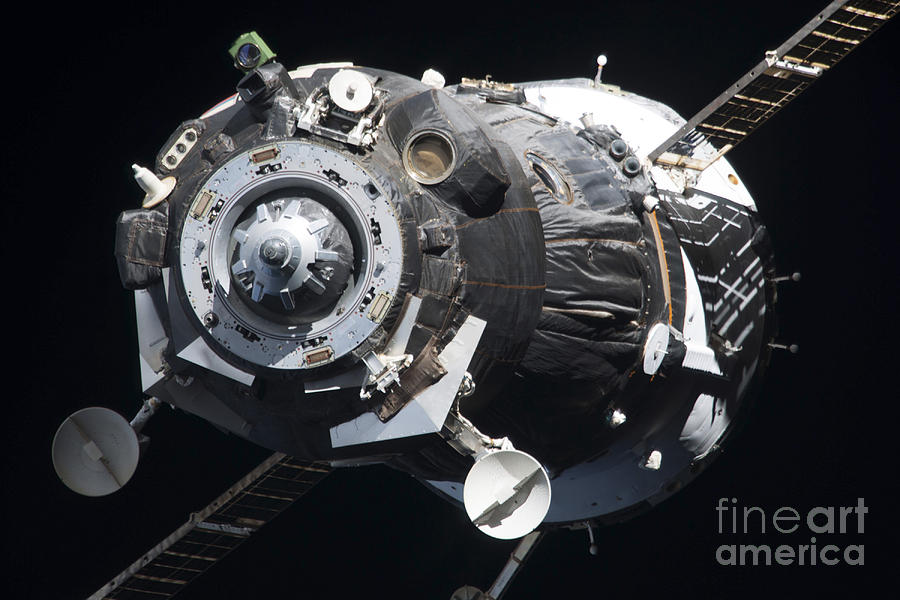 The Soyuz Tma-09m Spacecraft Photograph