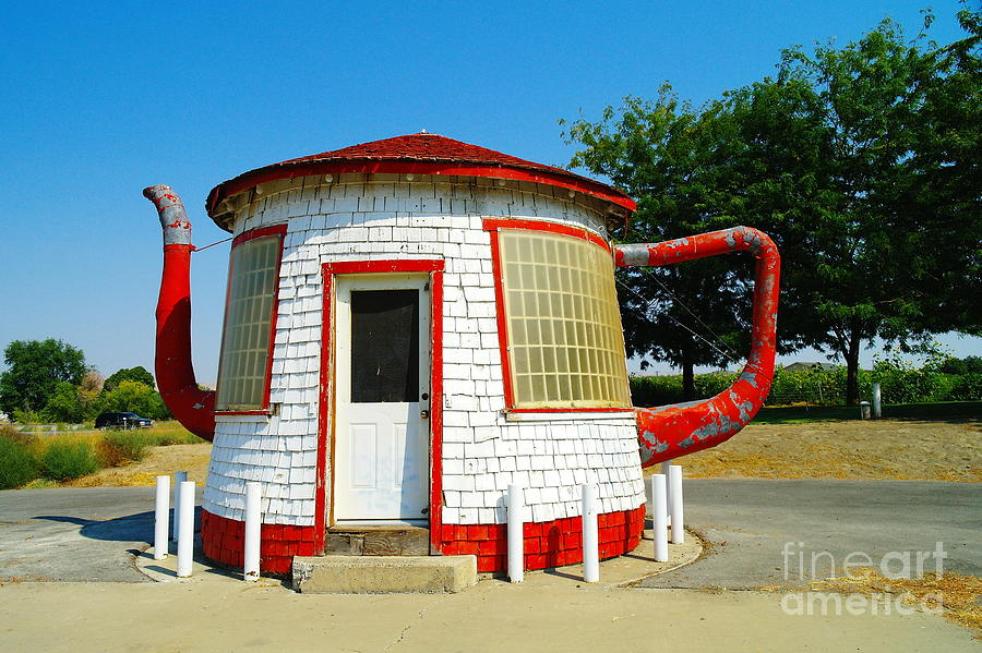 Zillah Wa Photograph - The Teapot Dome  by Jeff Swan