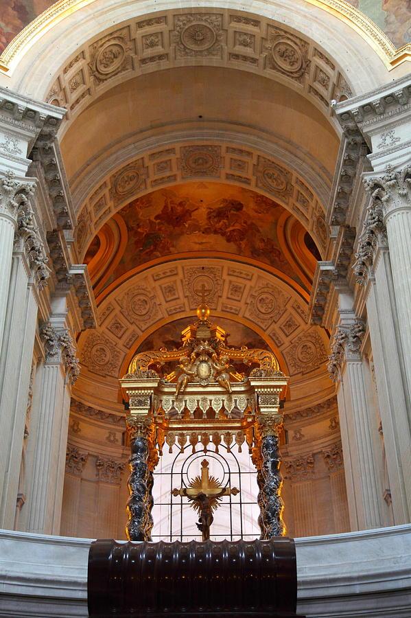 Paris Photograph - The Tombs At Les Invalides - Paris France - 011333 by DC Photographer