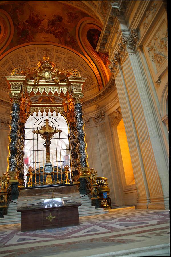 Paris Photograph - The Tombs At Les Invalides - Paris France - 01136 by DC Photographer