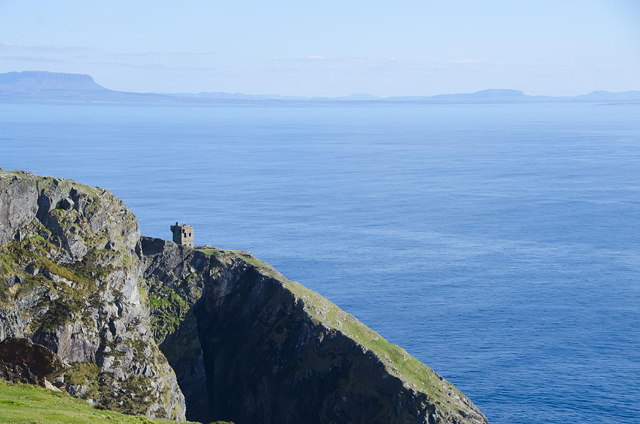 Watchtower Photograph - The Watchtower At Slieve League by Bill Cannon