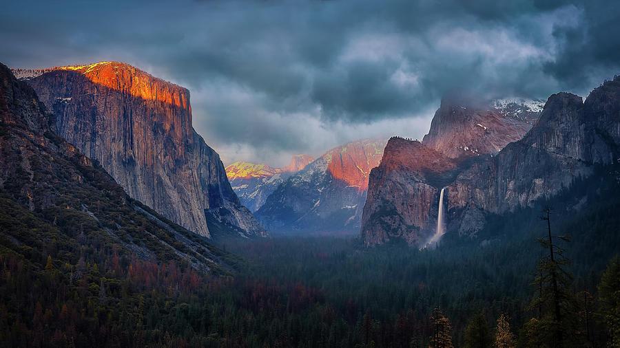 Yosemite Photograph - The Yin And Yang Of Yosemite by Michael Zheng