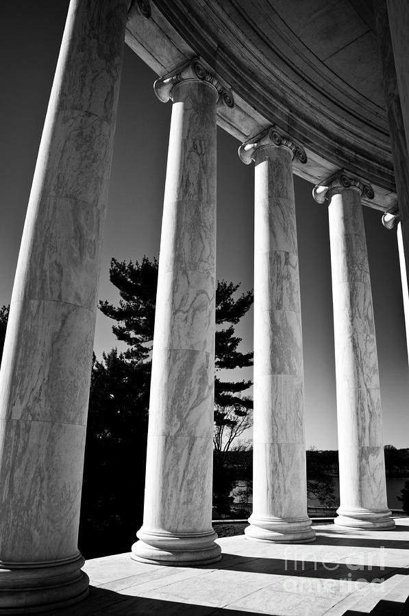 Ken Photograph - Thomas Jefferson Memorial by Ken Johnson