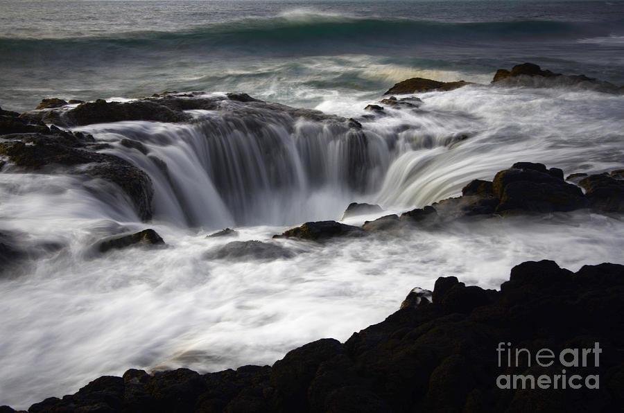 Oregon Coast Photograph - Thors Well by Bob Christopher