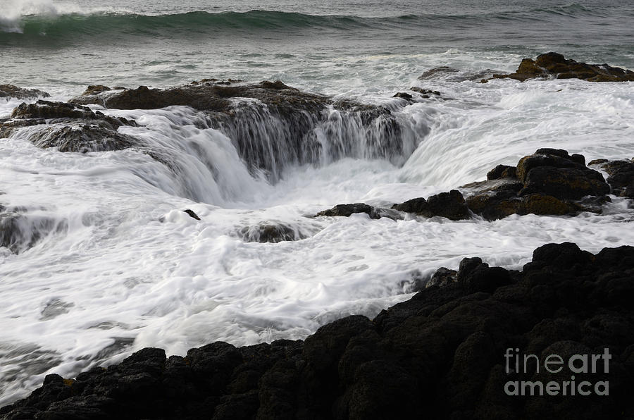 Thor Photograph - Thors Well Oregon by Bob Christopher
