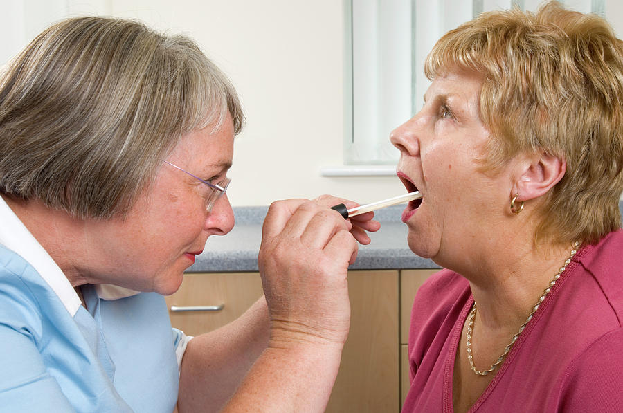 Tongue Depressor Photograph - Throat Examination by Jim Varney/science Photo Library