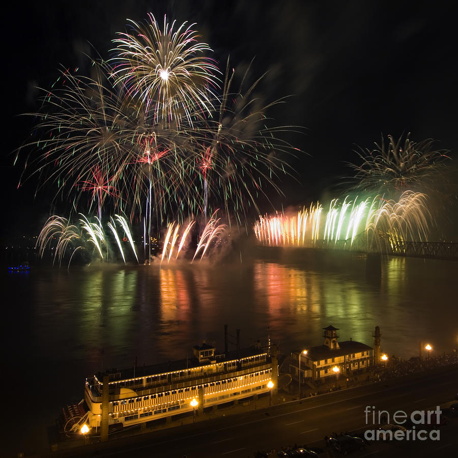 Thunder Photograph - Thunder Over Louisville - D008432 by Daniel Dempster