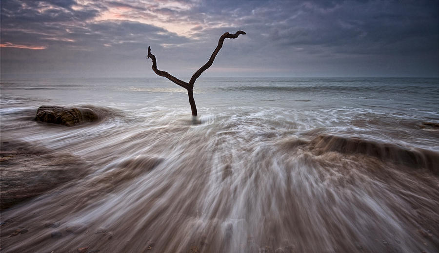 Print Photograph - Tidal Rush by Mark Leader