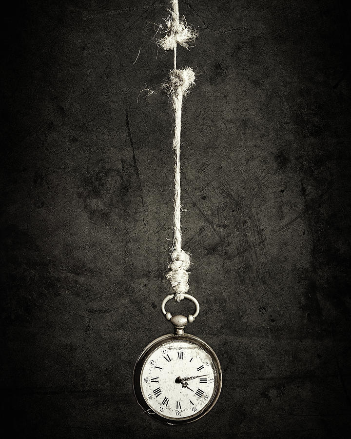 Still Life Photograph - Time Is Up by Sergio Rapagn??