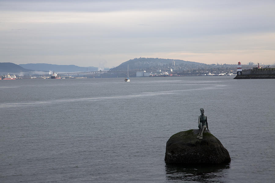 Sculpture Photograph - Todays Siren by Joanna Madloch