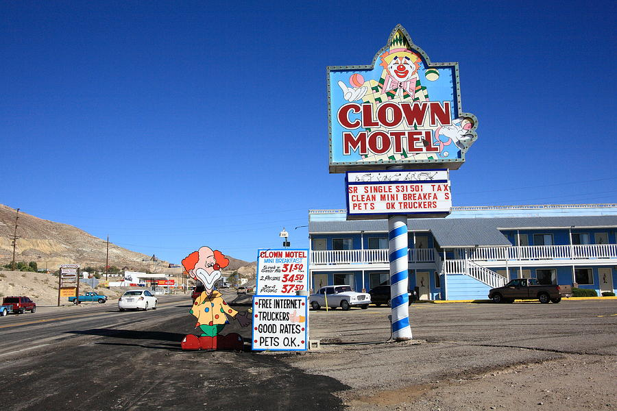 America Photograph - Tonopah Nevada - Clown Motel by Frank Romeo