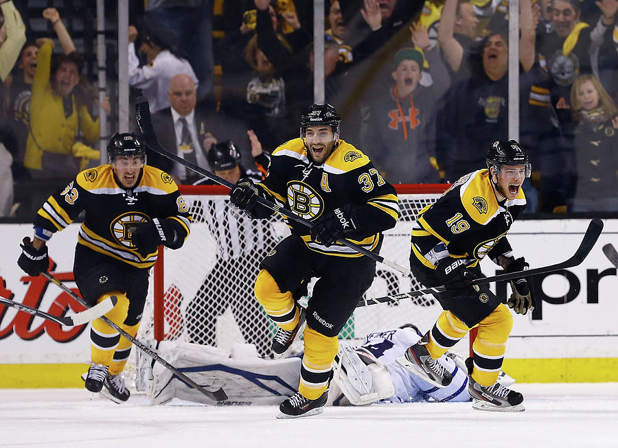 Toronto Maple Leafs V Boston Bruins - Photograph by Jared Wickerham