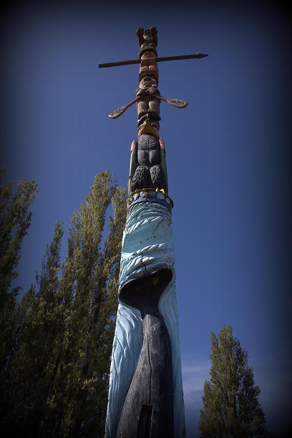 Totem Pole Photograph - Totem by Daniel Jakus