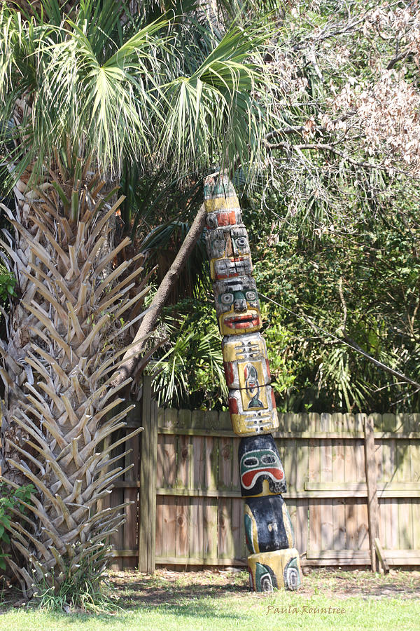 Totem Pole Photograph - Totem Pole by Paula Rountree Bischoff