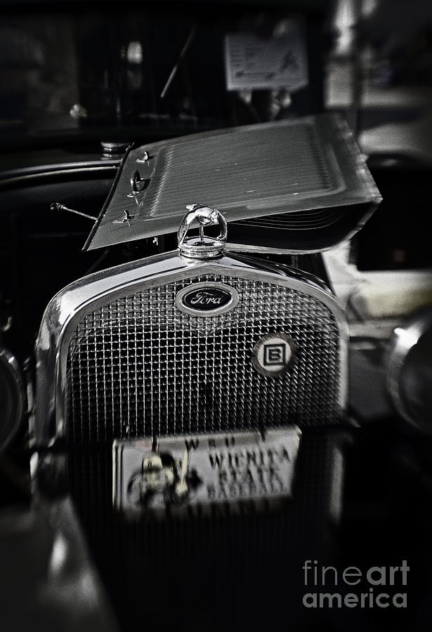 Cars Photograph - Touch Of Chrome by Fred Lassmann