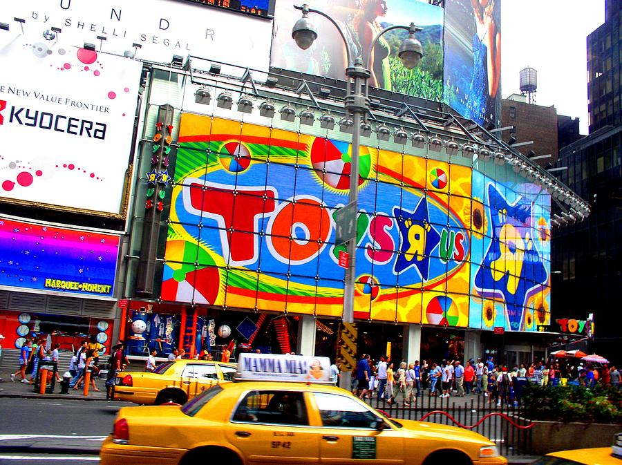 a market analysis of toys r us an american toy company Toys r us has in excess of 1500 superstores in the united states and worldwide it also owns the baby brand, babies r us which adds another 200 + stores toys r us also markets successfully on the web (in collaboration with amazoncom.