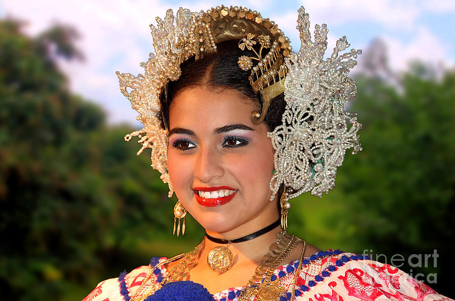Panama Photograph - Tradition And Beauty by Bob Hislop
