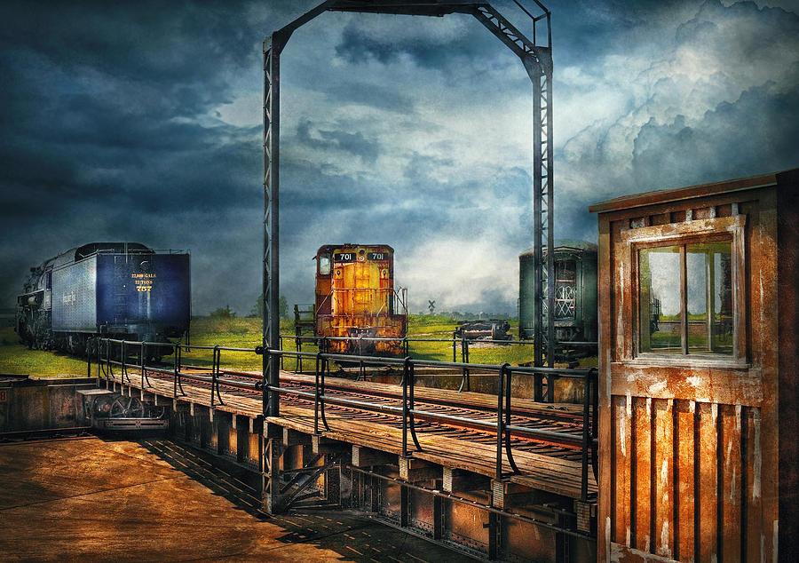 Savad Photograph - Train - Yard - On The Turntable by Mike Savad