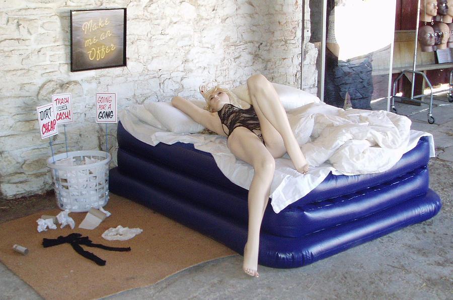 Yba Sculpture - Trash For Cash by Robin Beuscher