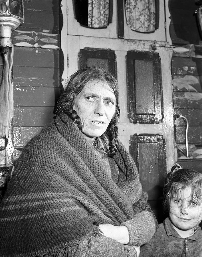 Itinerant Photograph - Traveller Woman Galway 1957 by Irish Photo Archive
