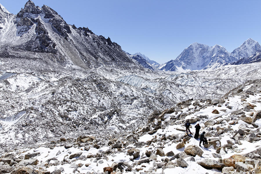 Mountains Photograph - Trekkers En Route To Everest Base Camp In The Everest Region Of Nepal by Robert Preston