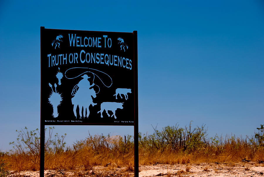 Truth or Consequences, New Mexico Welcome Sign Photograph by SWInsider