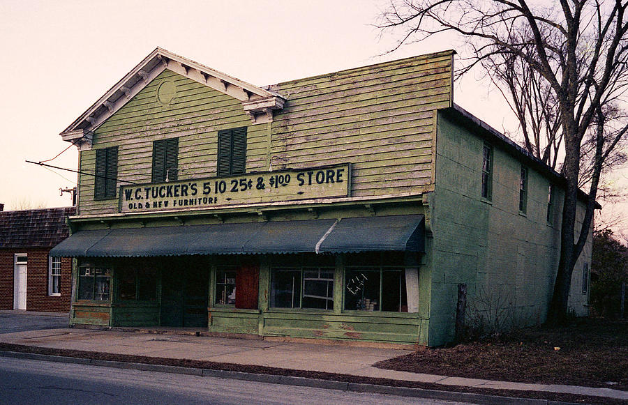 Country Store Photograph - Tuckers Country Store In Virginia by Thomas D McManus