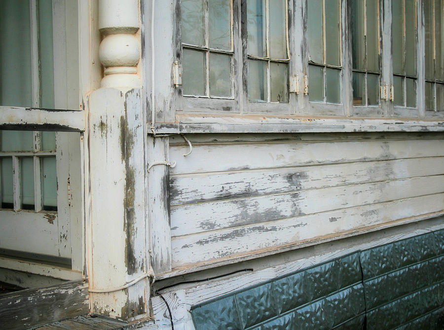 House Photograph - Think Back by Paulette Maffucci