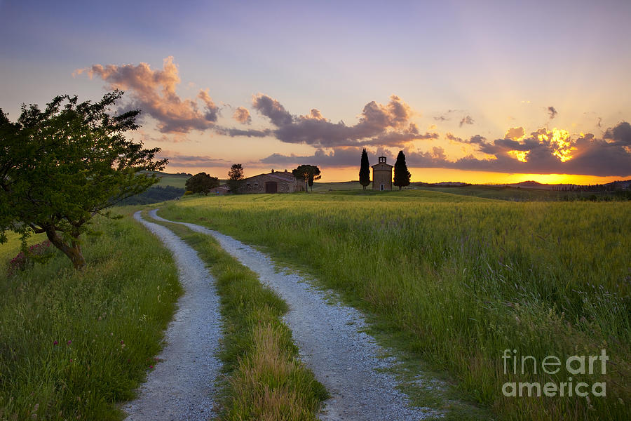 Cappella Photograph - Tuscan Sunset by Brian Jannsen