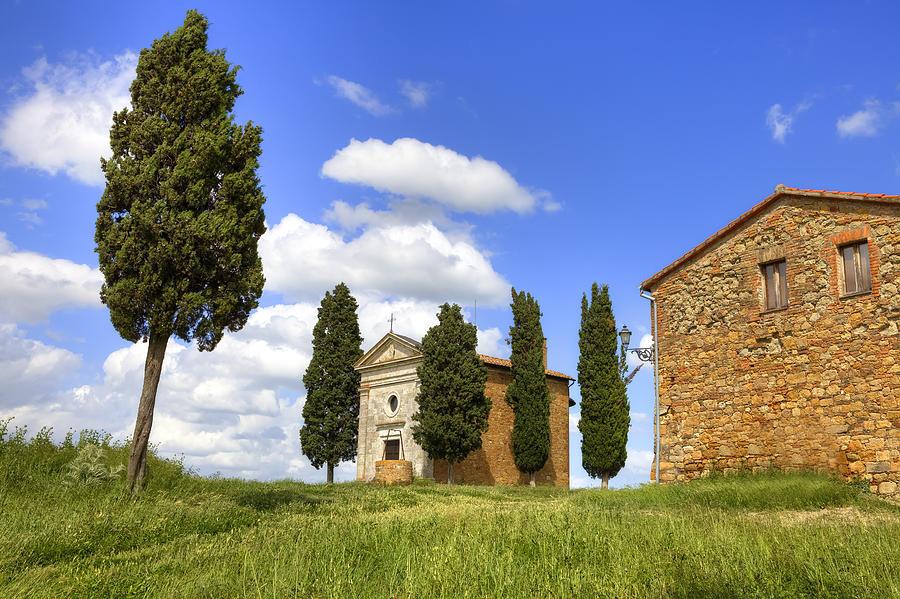 Pienza Photograph - Tuscany - Cappella Di Vitaleta by Joana Kruse