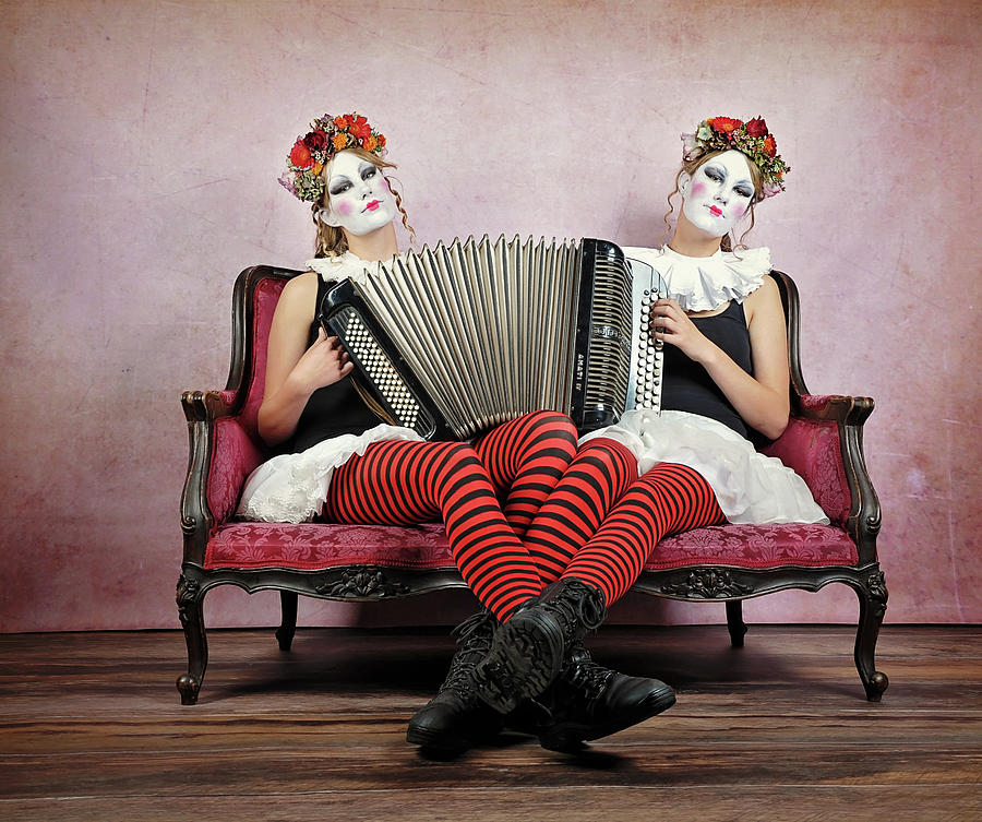 Portrait Photograph - Twins by Monika Vanhercke
