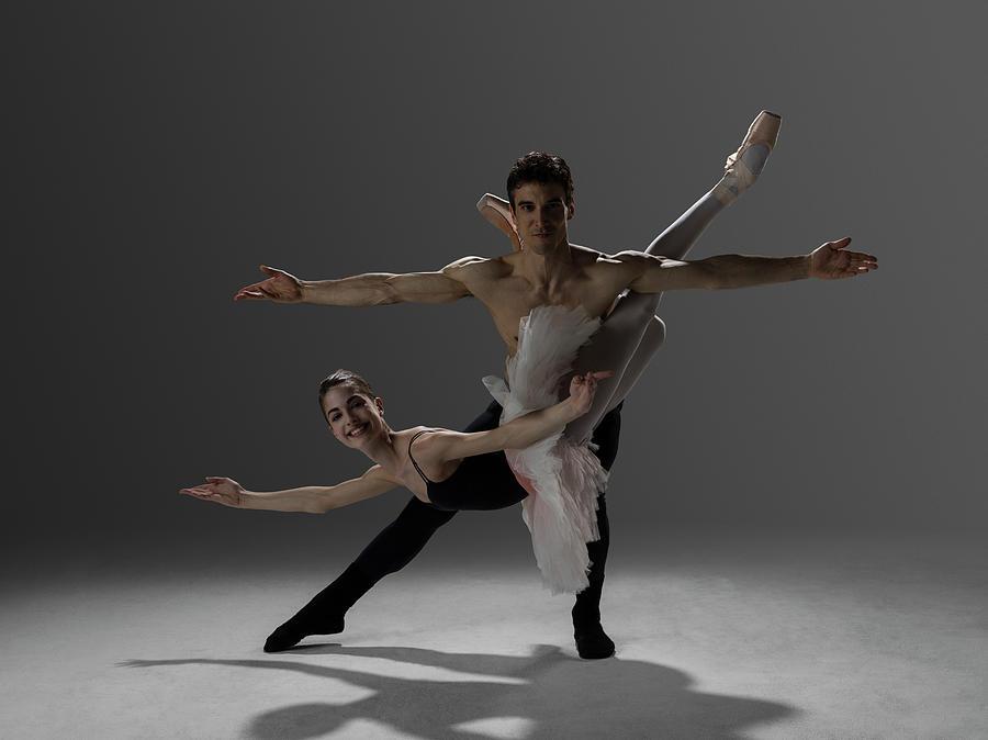 Two Ballet Dancers Performing Pas De Photograph by Nisian Hughes
