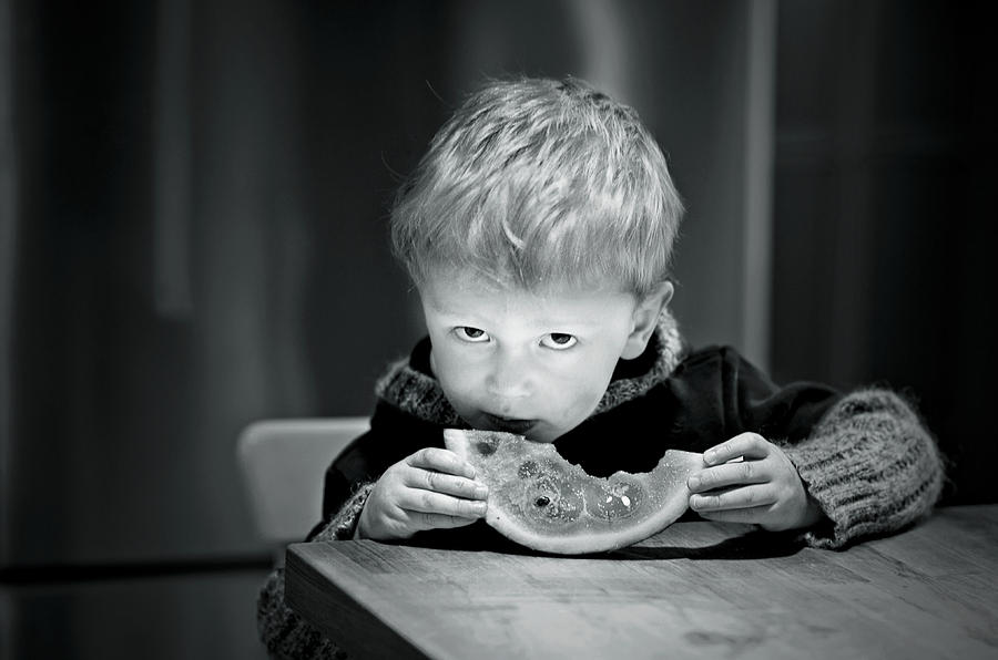 Boys Photograph - Two Hands And A Slice Of Adorable by Valerie Rosen