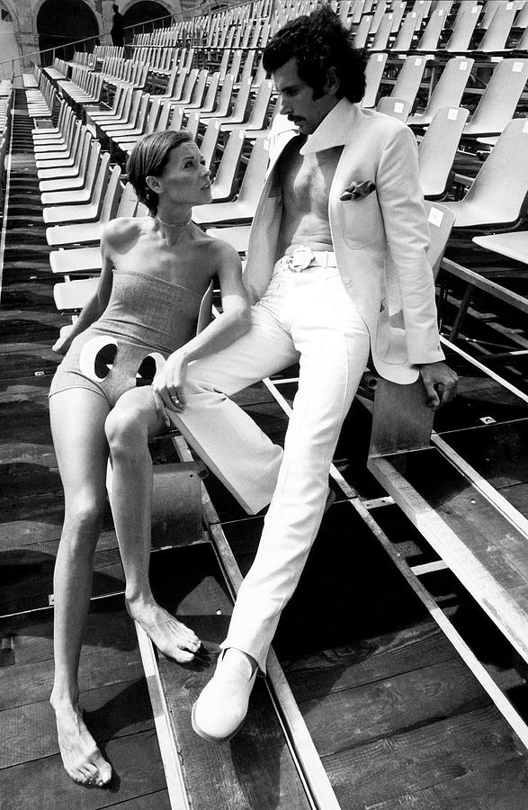 Two Models Wearing 1970s Style Clothing Photograph by Eva Sereny