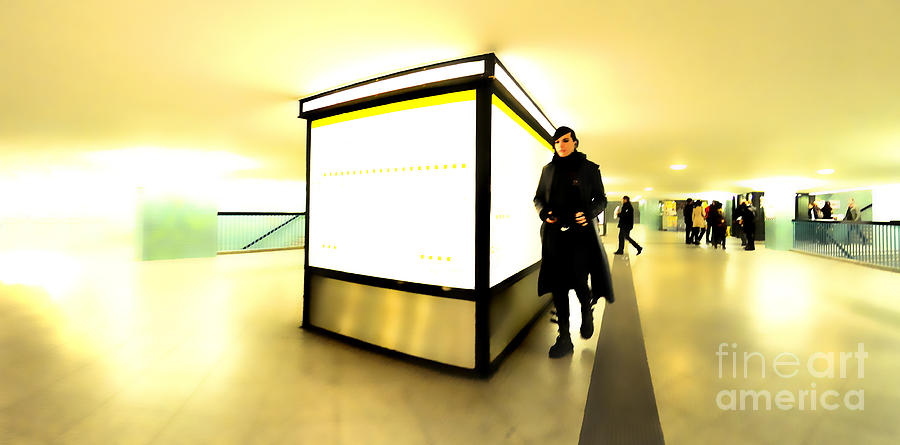 City Photograph - U-bahn by Phil Robinson