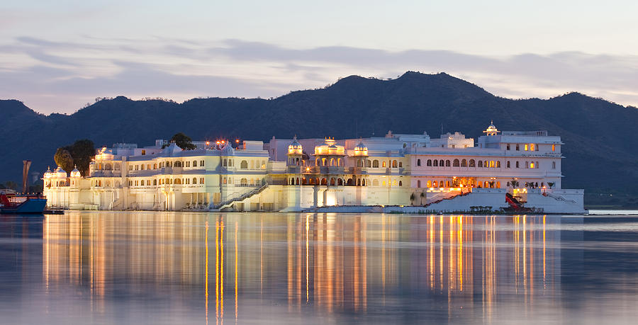 Udaipur Lake Palace Photograph by Traveler1116