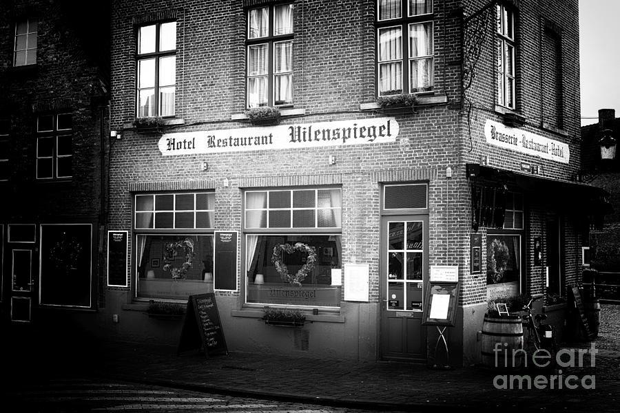 Restaurant Photograph - Uilenspiegel by John Rizzuto