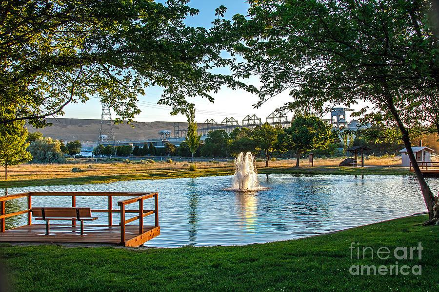 Pond Photograph - Umatilla Fountain Pond by Robert Bales