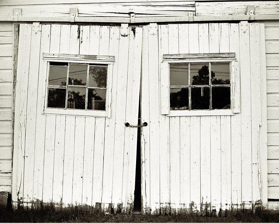 Barn Photograph - Unhinged by Will Gunadi