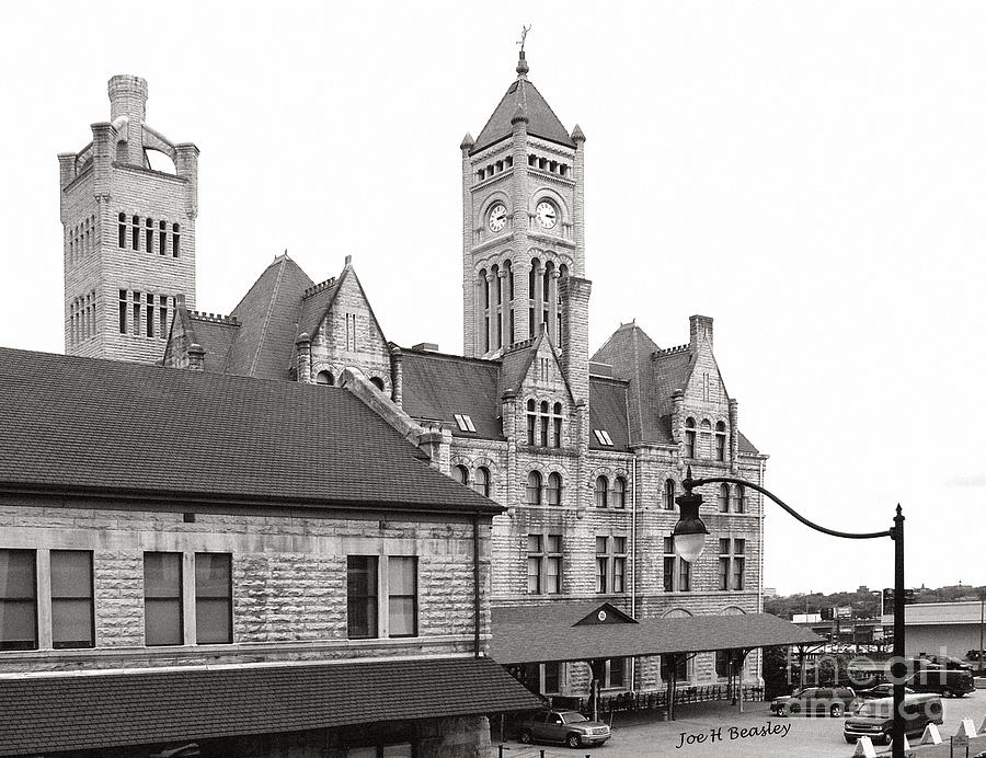 Architecture Photograph - Union Station Nashville Tennessee   by   Joe Beasley