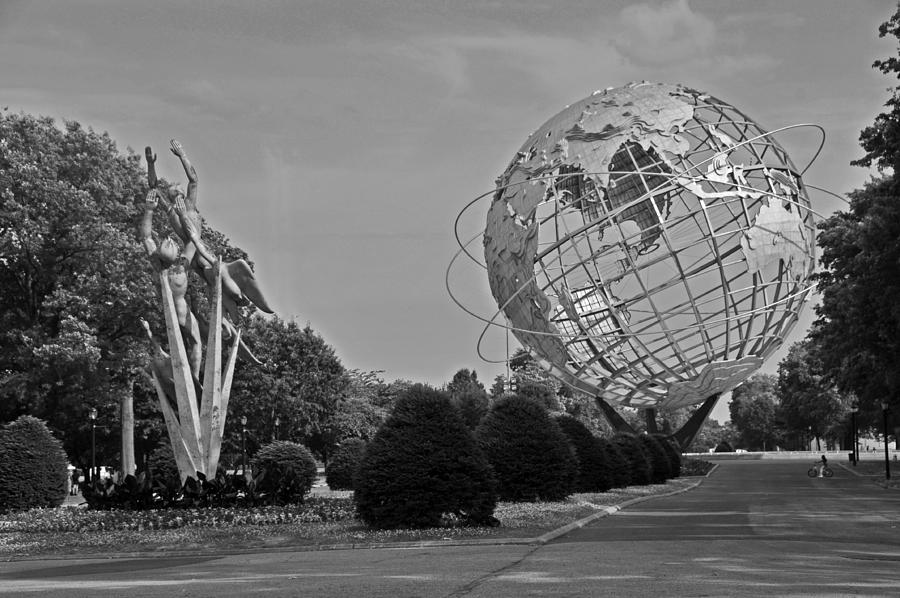 Icon Photograph - Unisphere In Corona Park by Mike Martin