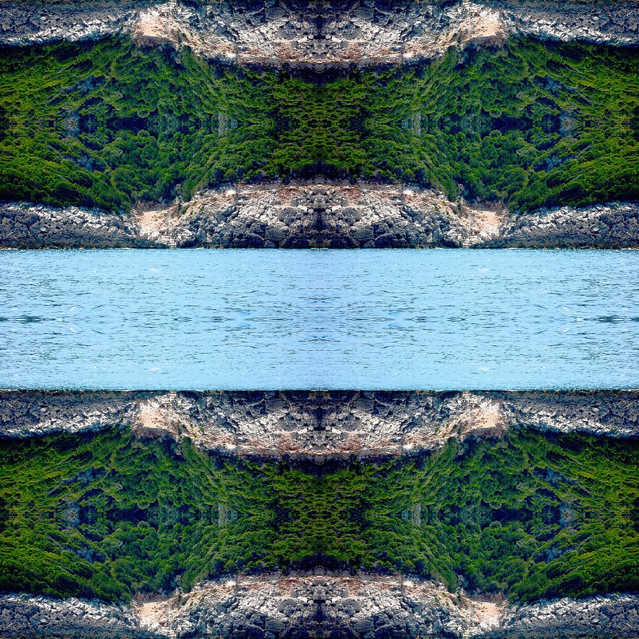 Kaleidoscopic Photograph - Unnatural 76 by Giovanni Cafagna