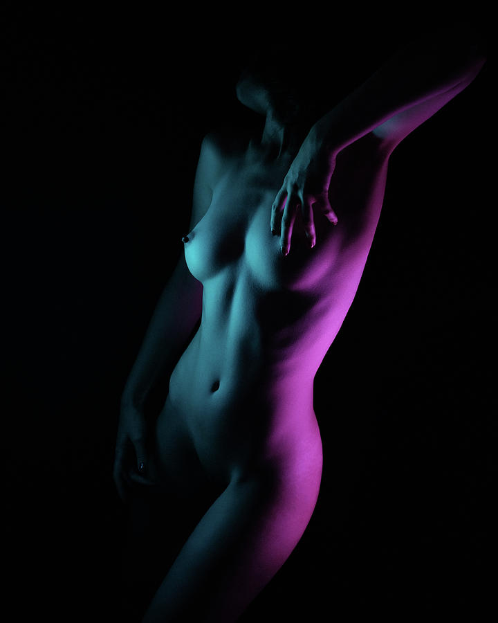 Fine Art Nude Photograph - Untitled by Alexbusu