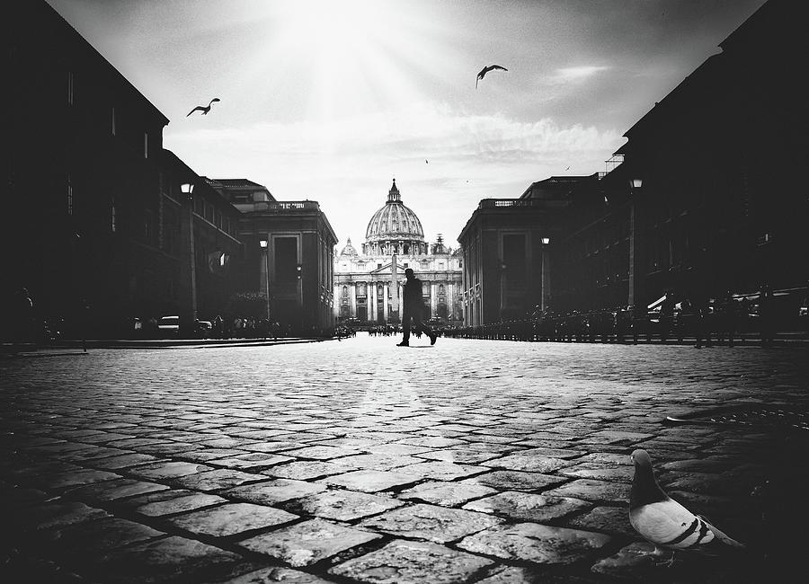 Street Photograph - Untitled by Massimiliano Mancini