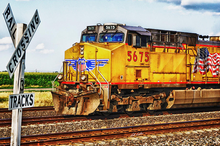 Locomotive Photograph - Up 5675 by Bill Kesler