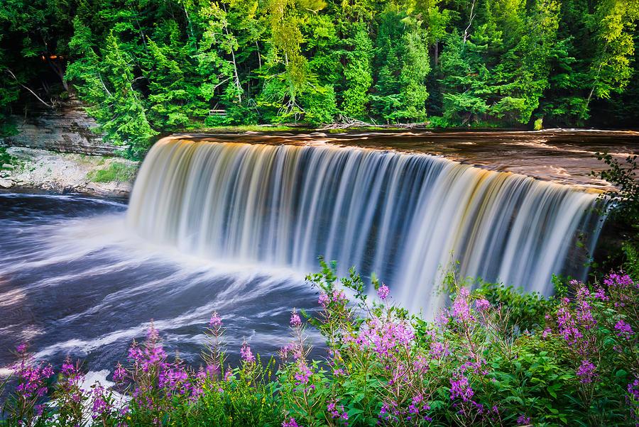 Upper Tahquamenon Falls Photograph - Upper Falls by Thomas Pettengill