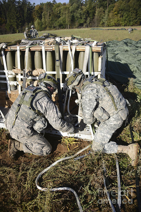U.s. Army Europe Soldiers Perform Photograph