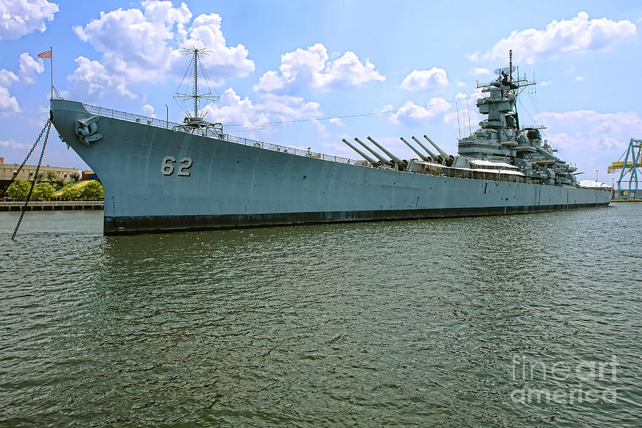 Uss New Jersey Photograph - Uss New Jersey by Olivier Le Queinec